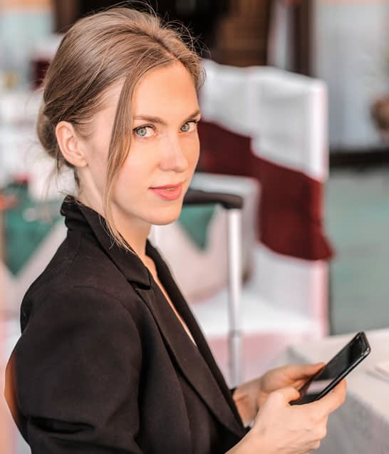 Single point of contact - Woman with mobile phone